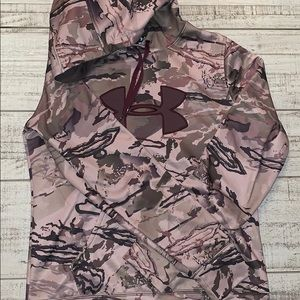 Women's medium camo hoodie under armour